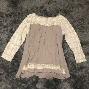 CLEARANCE  UMGee Lace Long sleeve Blouse